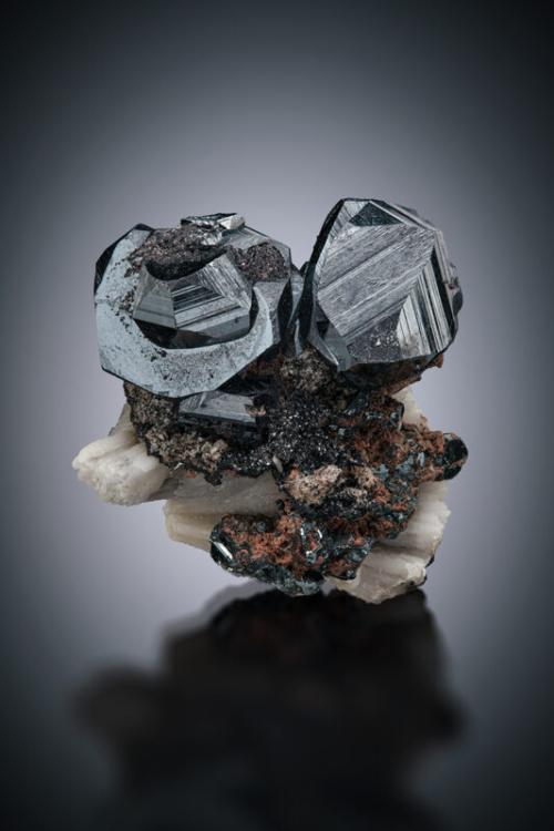 ADMC021 Hematite